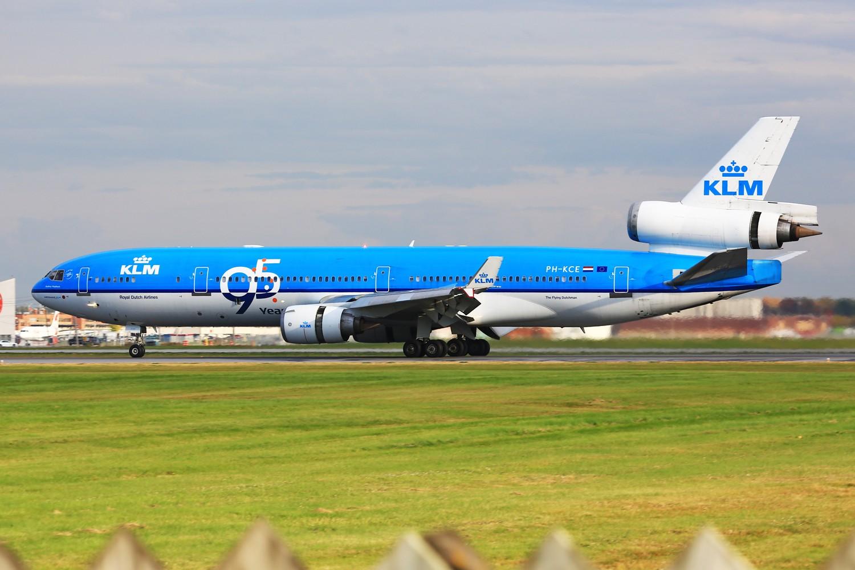 【YUL】**************荷航95周年纪念装MD-11,三发宽体最后的时光************** MD MD-11 PH-KCE 加拿大蒙特利尔特鲁多机场