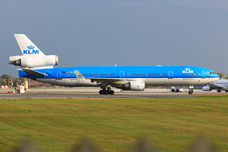 Re:[原创]【YUL】**************荷航95周年纪念装MD-11,三发宽体最后的时光************** MD MD-11 PH-KCE 加拿大蒙特利尔特鲁多机场
