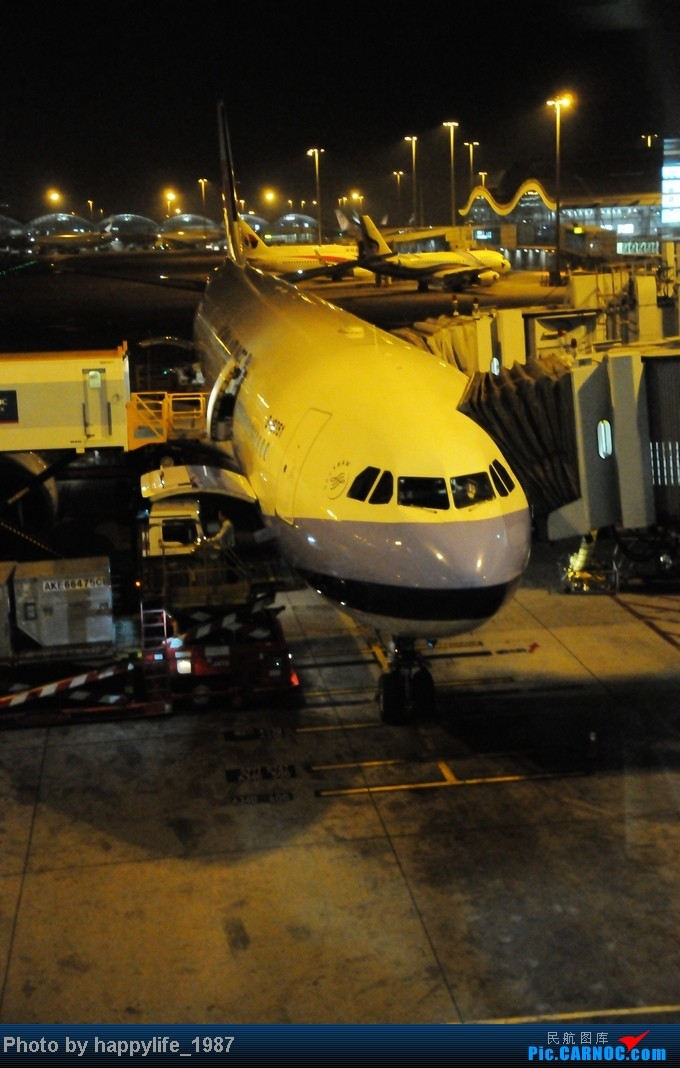 国庆旅行,HKG-CGK往返,中华航空空客330往返,附印尼狮航739ER AIRBUS A330-300 B-18351 中国香港赤鱲角机场