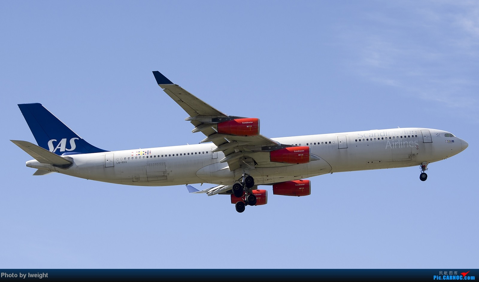 Re:[原创]终于盼来了晴天,PEK拍起【10月26日】 AIRBUS A340-300 LN-RKG 中国北京首都机场