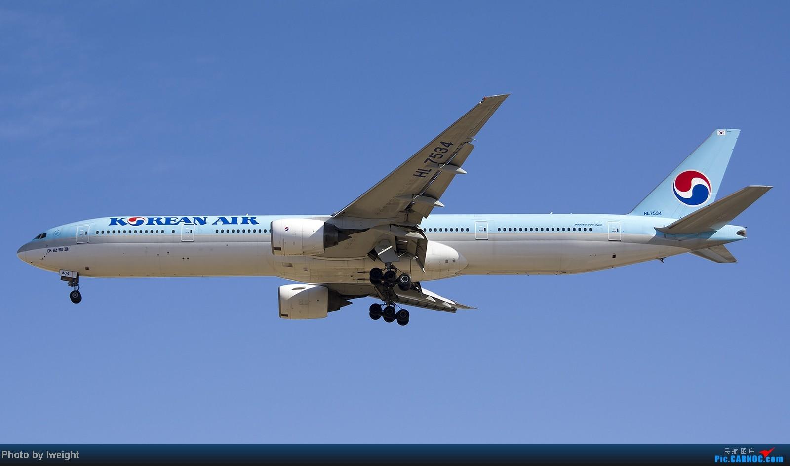 Re:[原创]终于盼来了晴天,PEK拍起【10月26日】 BOEING 777-300 HL7534 中国北京首都机场
