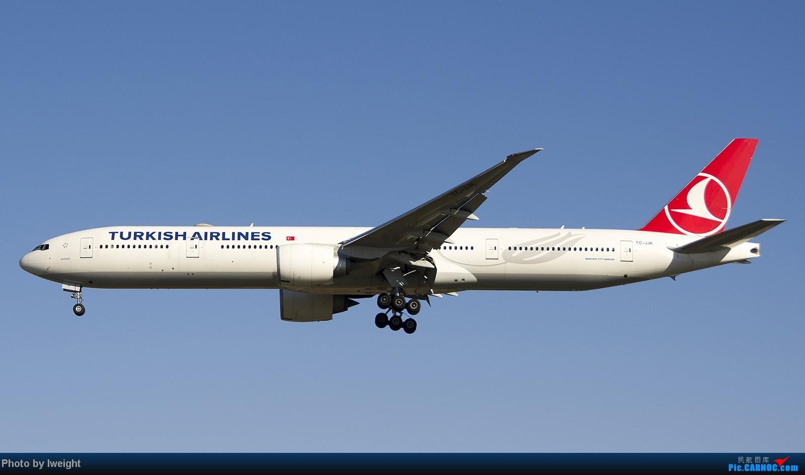 Re:[原创]终于盼来了晴天,PEK拍起【10月26日】 BOEING 777-300ER TC-JJK 中国北京首都机场