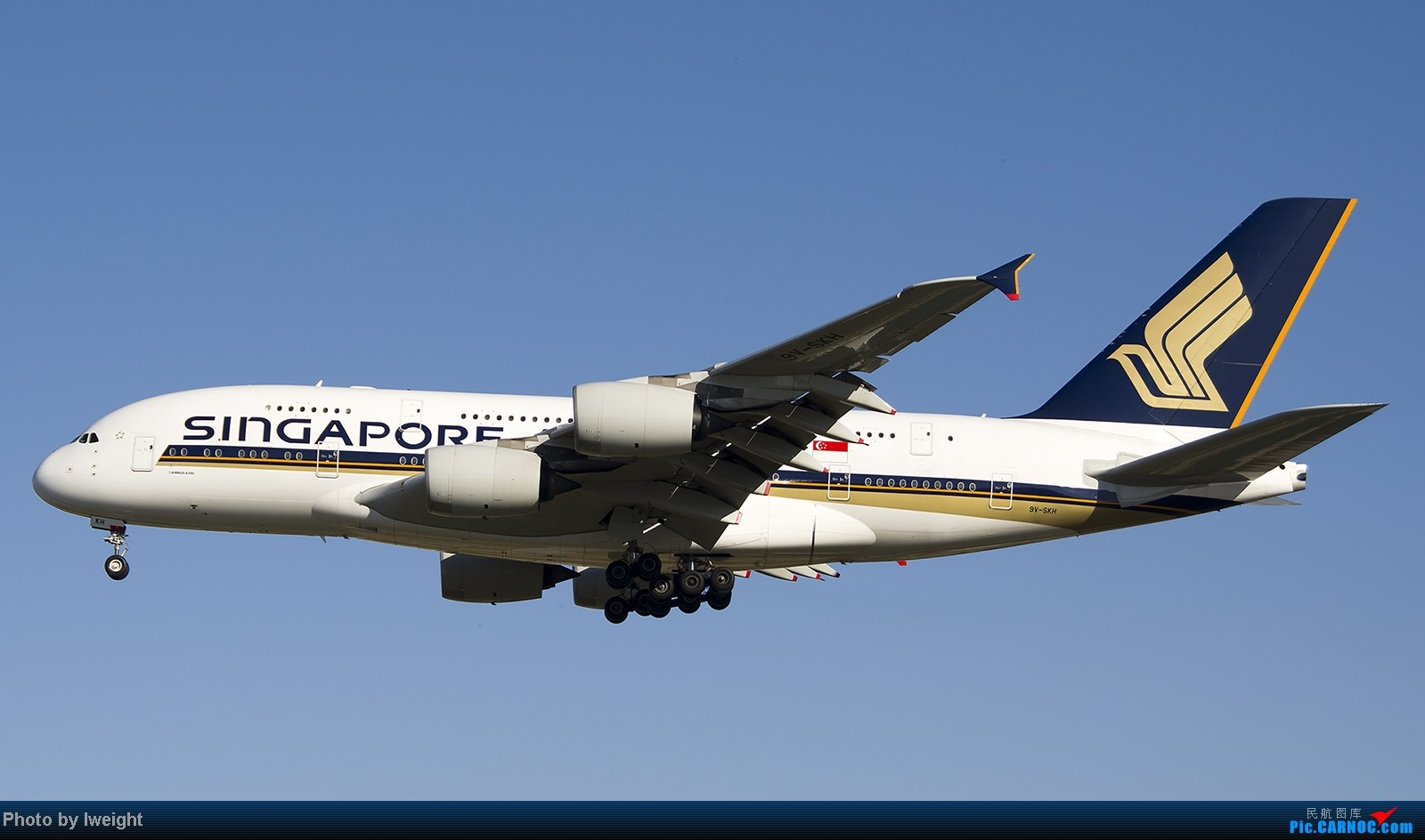 Re:[原创]终于盼来了晴天,PEK拍起【10月26日】 AIRBUS A380-800 9V-SKH 中国北京首都机场