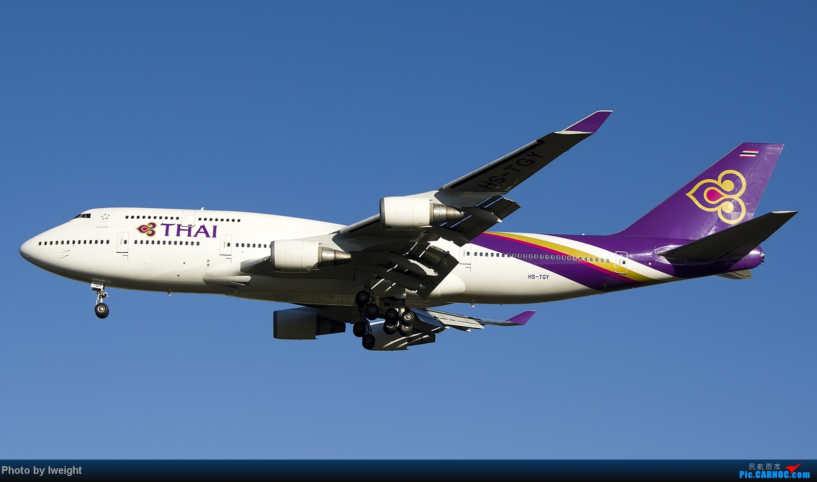 Re:[原创]终于盼来了晴天,PEK拍起【10月26日】 BOEING 747-400 HS-TGY 中国北京首都机场