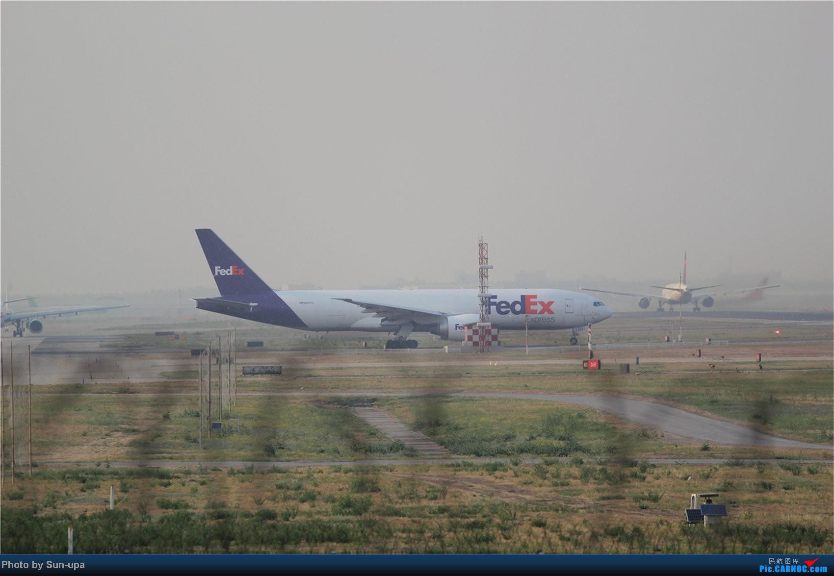 Re:[原创]【Sun-upa】老图新发 前段时间pek杂图+11.7机场内随拍 BOEING 777  中国北京首都机场
