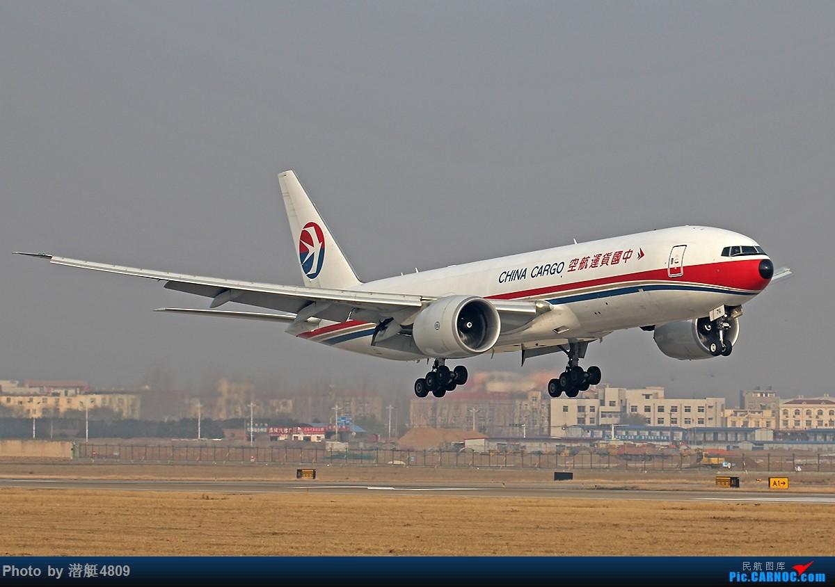 Re:[原创][郑州飞友会]新郑机场丝路航空等一组 BOEING 777-200 B-2076 中国郑州新郑国际机场