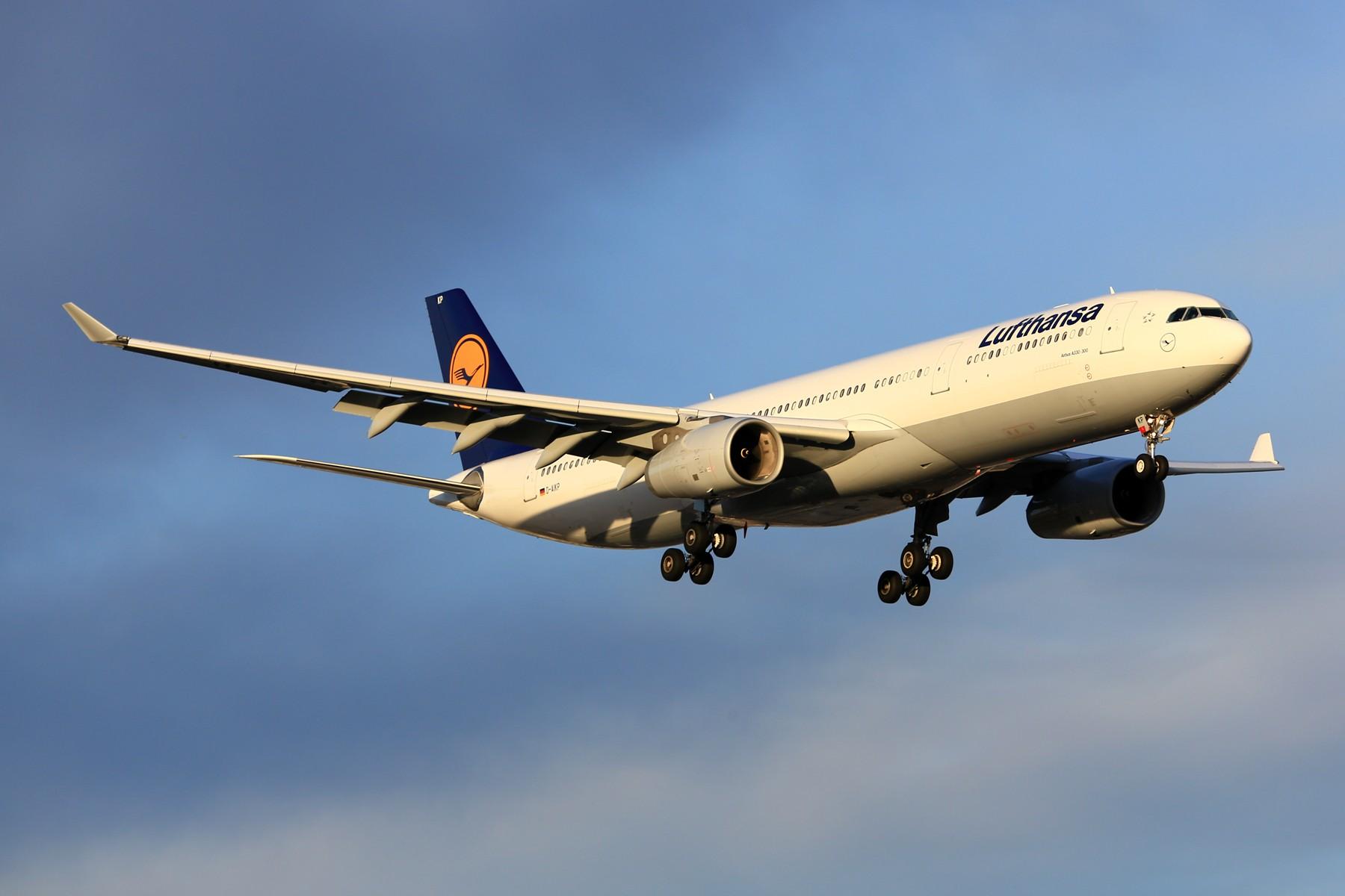 Re:[原创]tsniper及其背后的人注意了(请管理员保留置顶24小时) AIRBUS A330-300 D-AIKP 加拿大蒙特利尔特鲁多机场