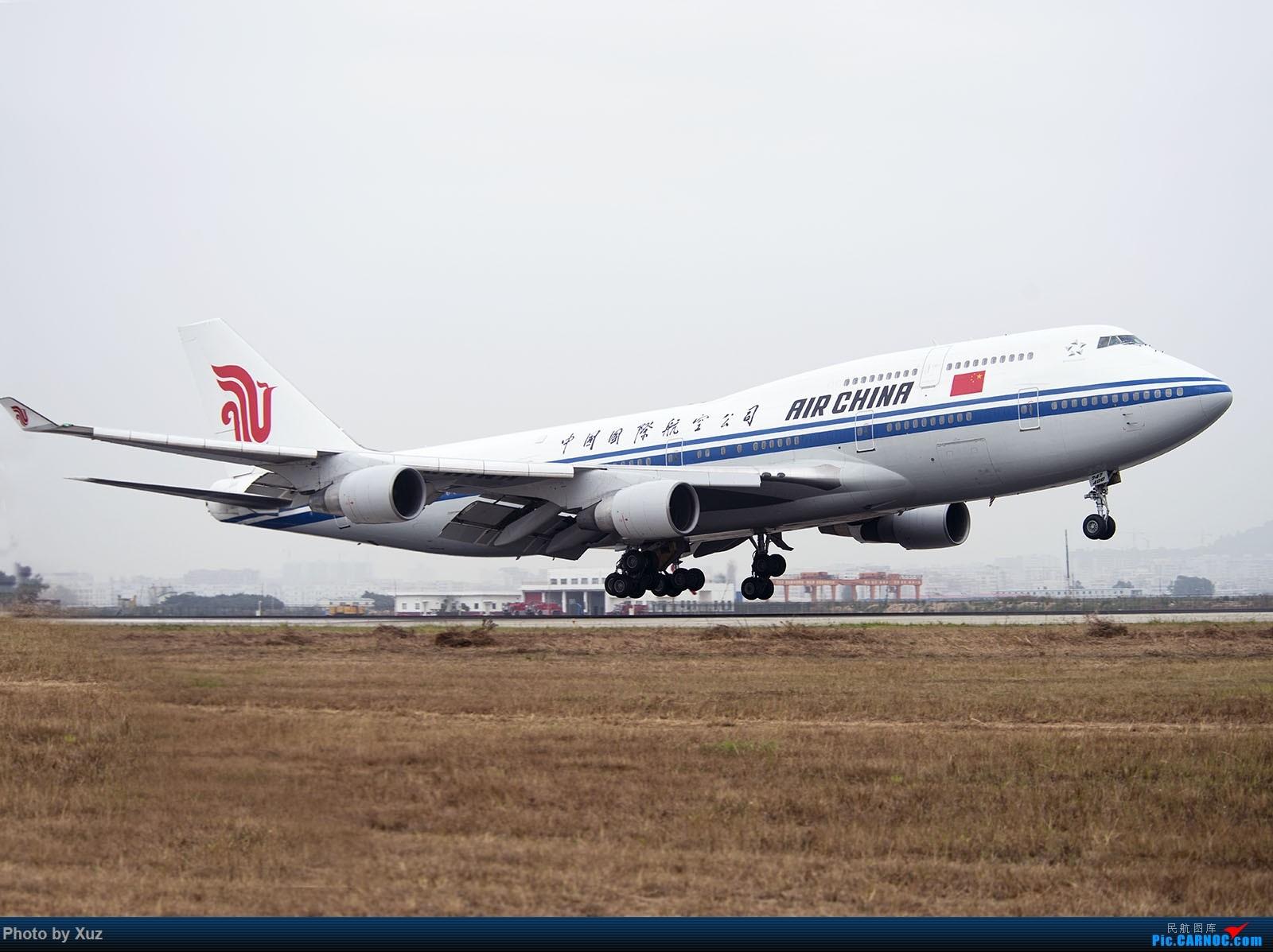 [原创]跑道头看大飞机落地 BOEING 747-400 B-2445 中国深圳宝安国际机场