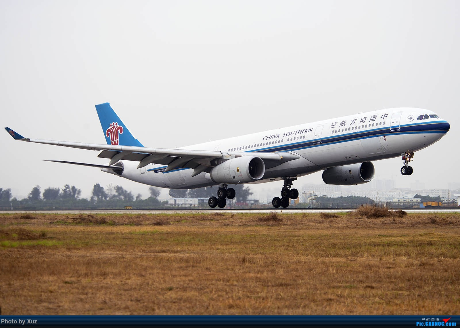 Re:[原创]跑道头看大飞机落地 AIRBUS A330-300 B-6501 中国深圳宝安国际机场