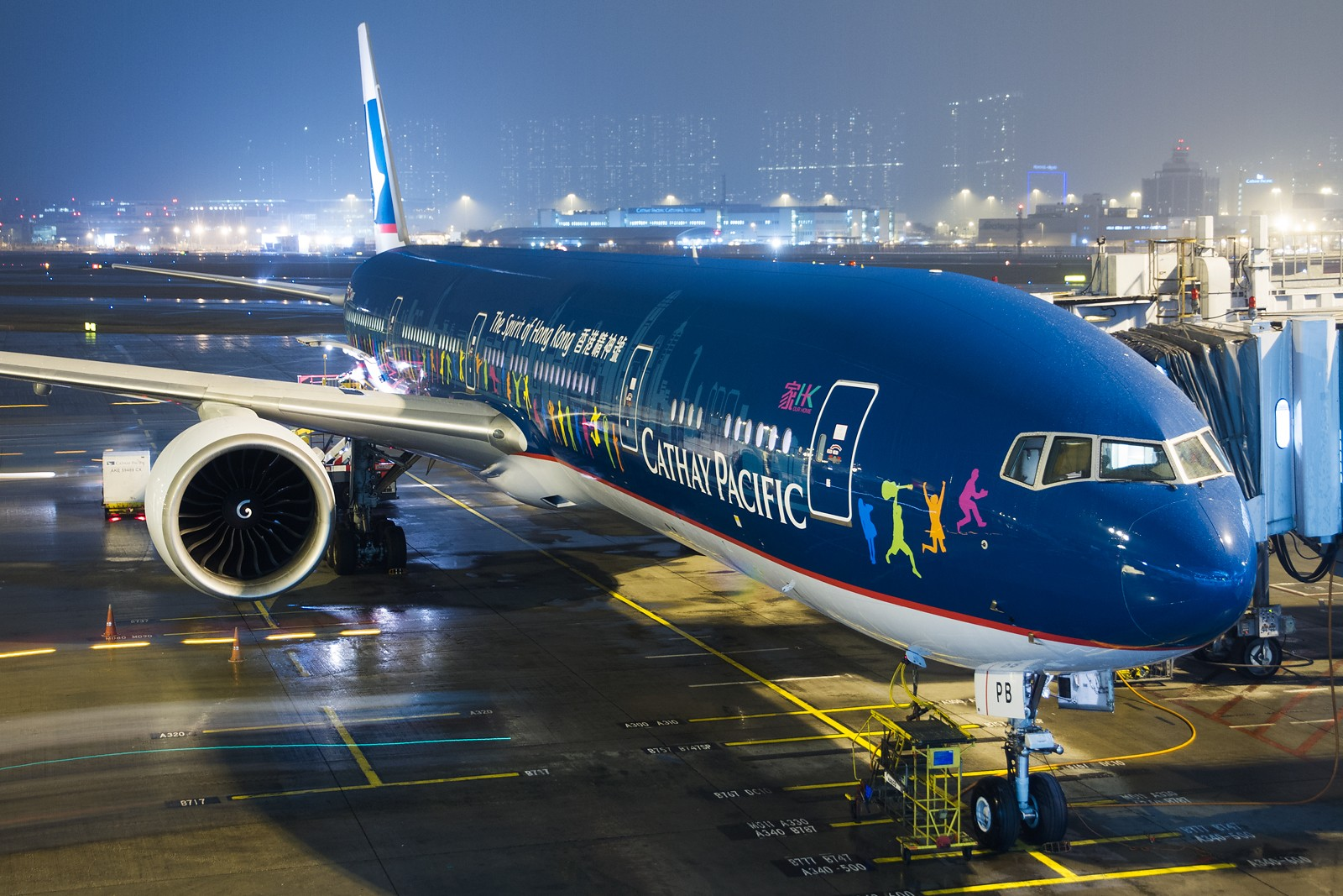 Re:[原创]【SHA/PVG/NKG/HKG/PEK】***********2014年度总结*********** BOEING 777-300ER B-KPB 中国香港赤鱲角国际机场