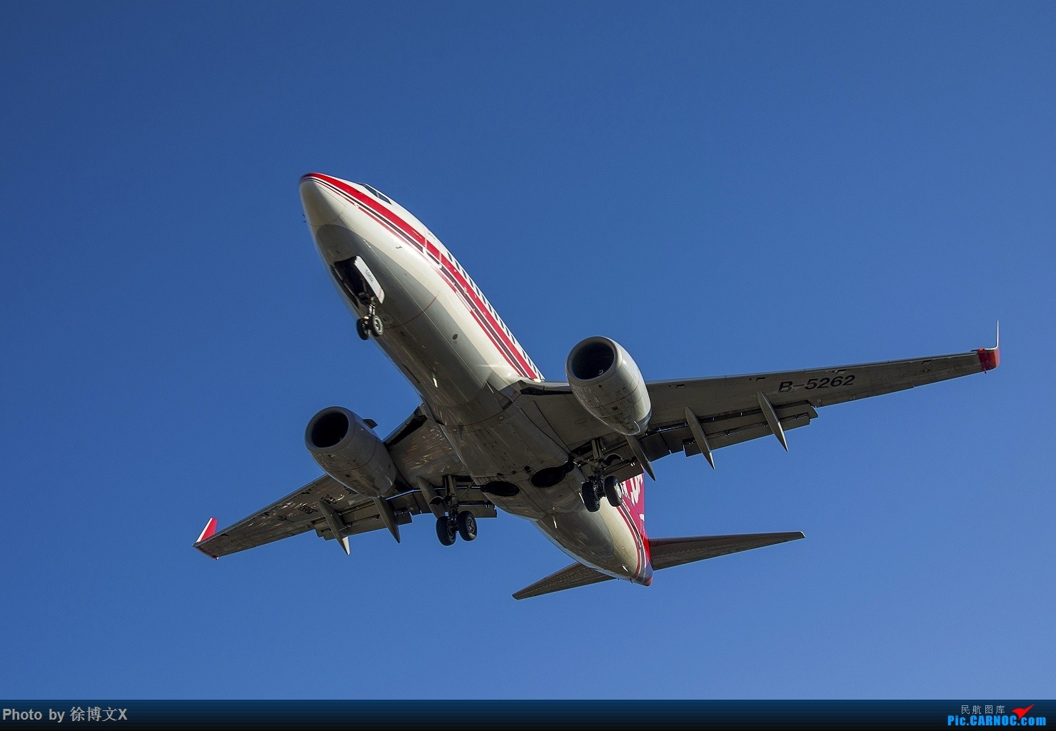 Re:[原创]南苑机场 中国联航 BOEING 737-700 B-5262 中国北京南苑机场