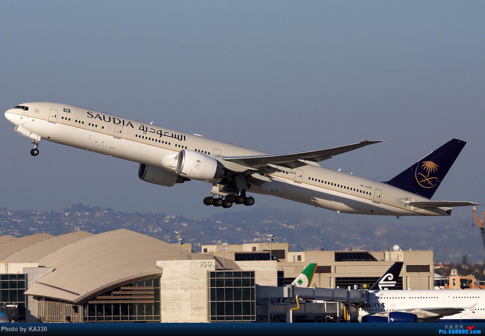Re:【LAX】新年第一拍,好歹也发一些大家伙 BOEING 777-300ER HZ-AK19 美国洛杉矶机场