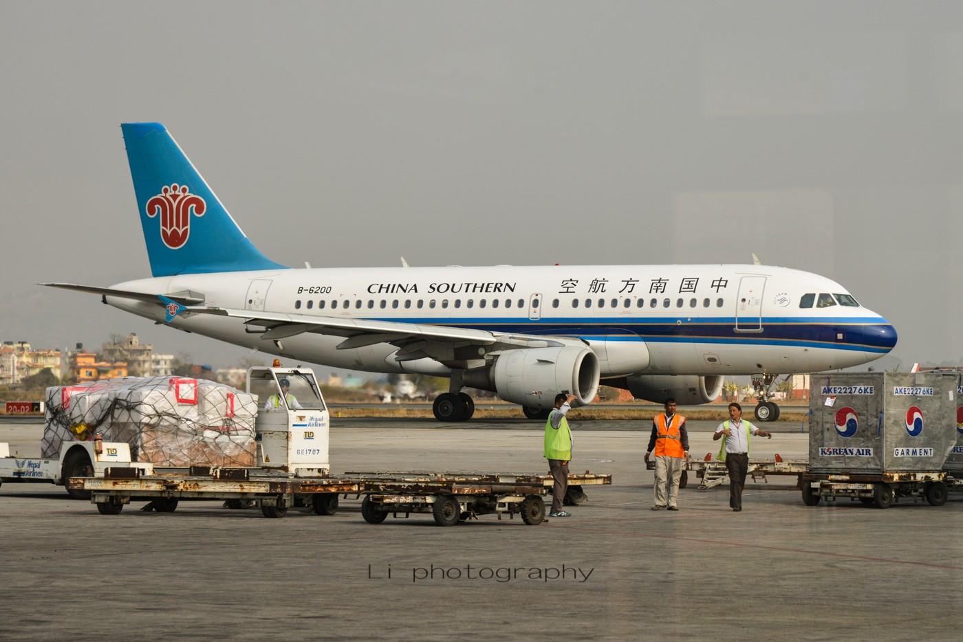 [原创]尼泊尔拍机第一发——加德满都机场,各种奇货乱入~ AIRBUS A319-100 B-6200 尼泊尔加德满都机场
