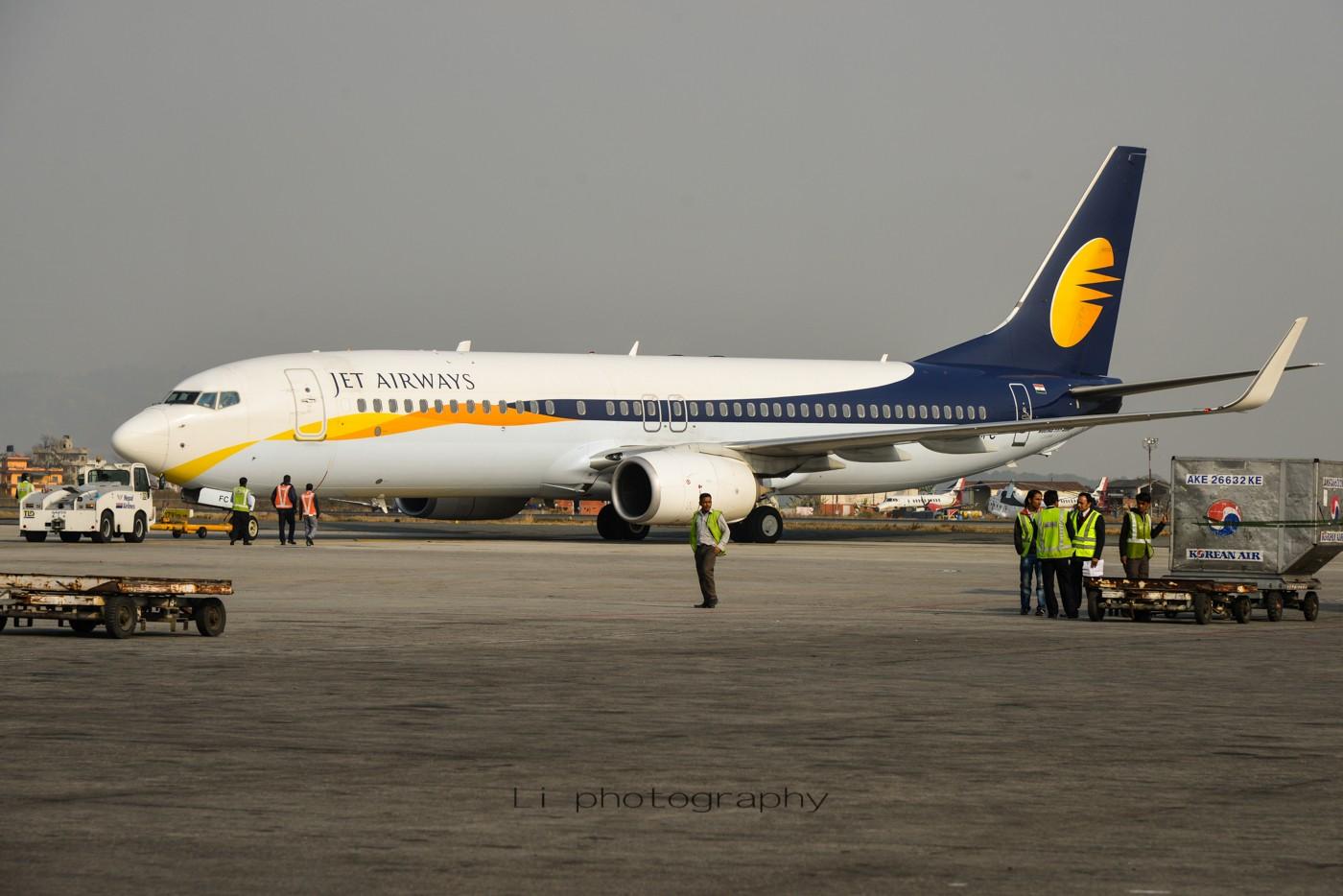 Re:[原创]尼泊尔拍机第一发——加德满都布里特万机场,各种奇货乱入~ BOEING B737-800 VT-JFC 尼泊尔加德满都机场