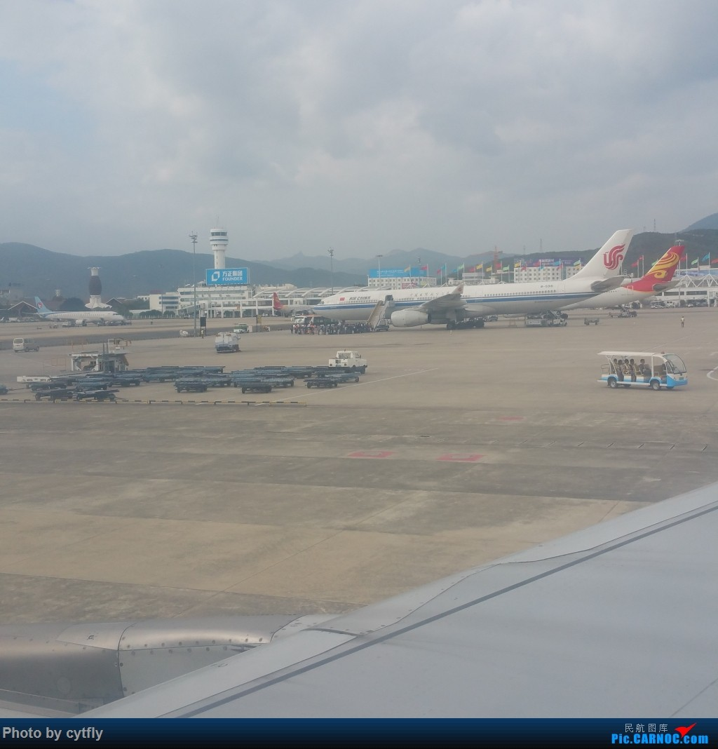 Re:[原创]SJW-SYX-PEK 三亚Holiday AIRBUS A330-200  中国三亚凤凰国际机场 中国三亚凤凰国际机场