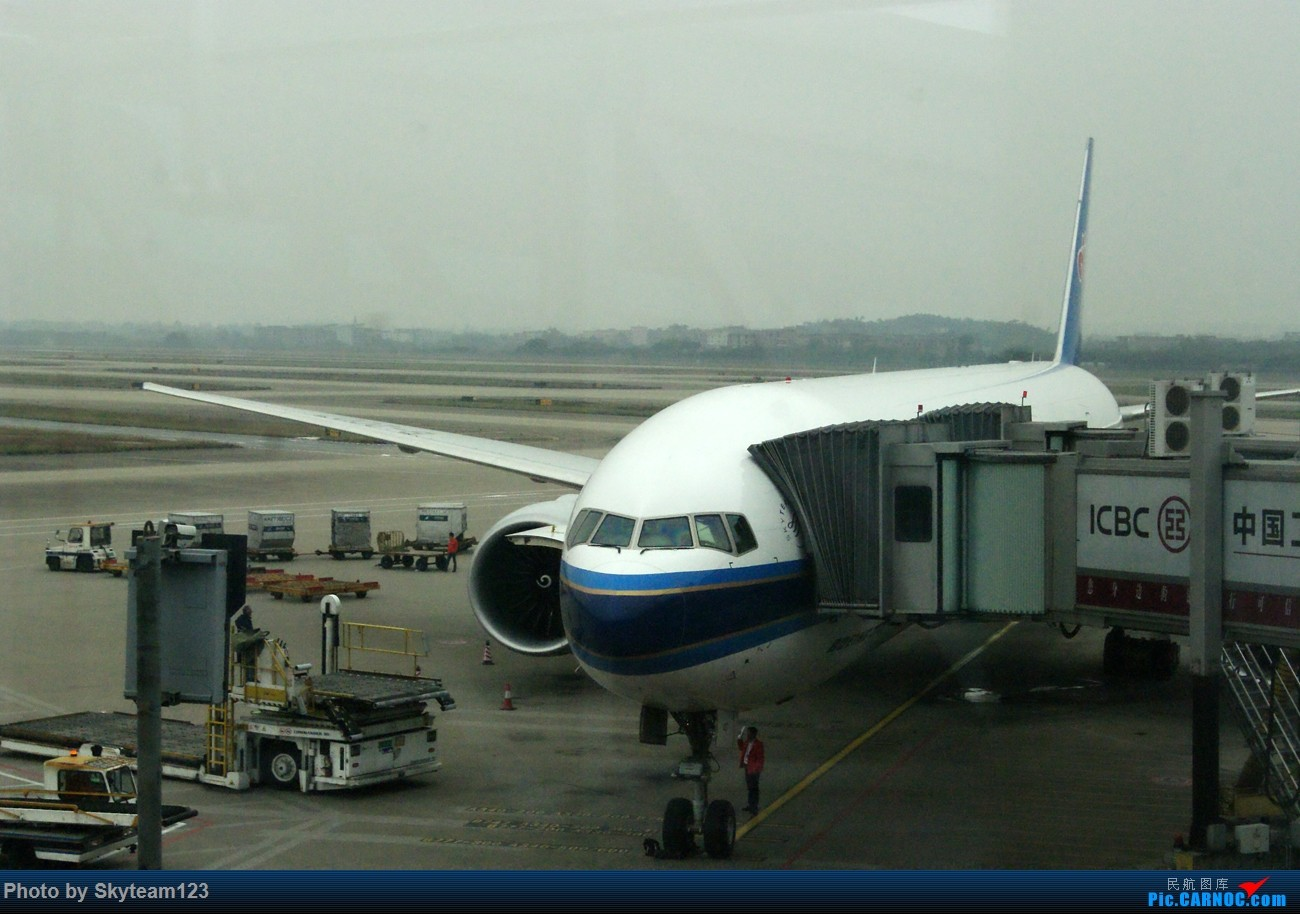 Re:[原创]《Simon游记》第三季第一集 黄昏航班CZ3113 CAN-PEK B777-300ER 第二次搭乘B-2099 原本以为完美的旅程画的却是不圆满的句号 BOEING 777-300ER B-2048