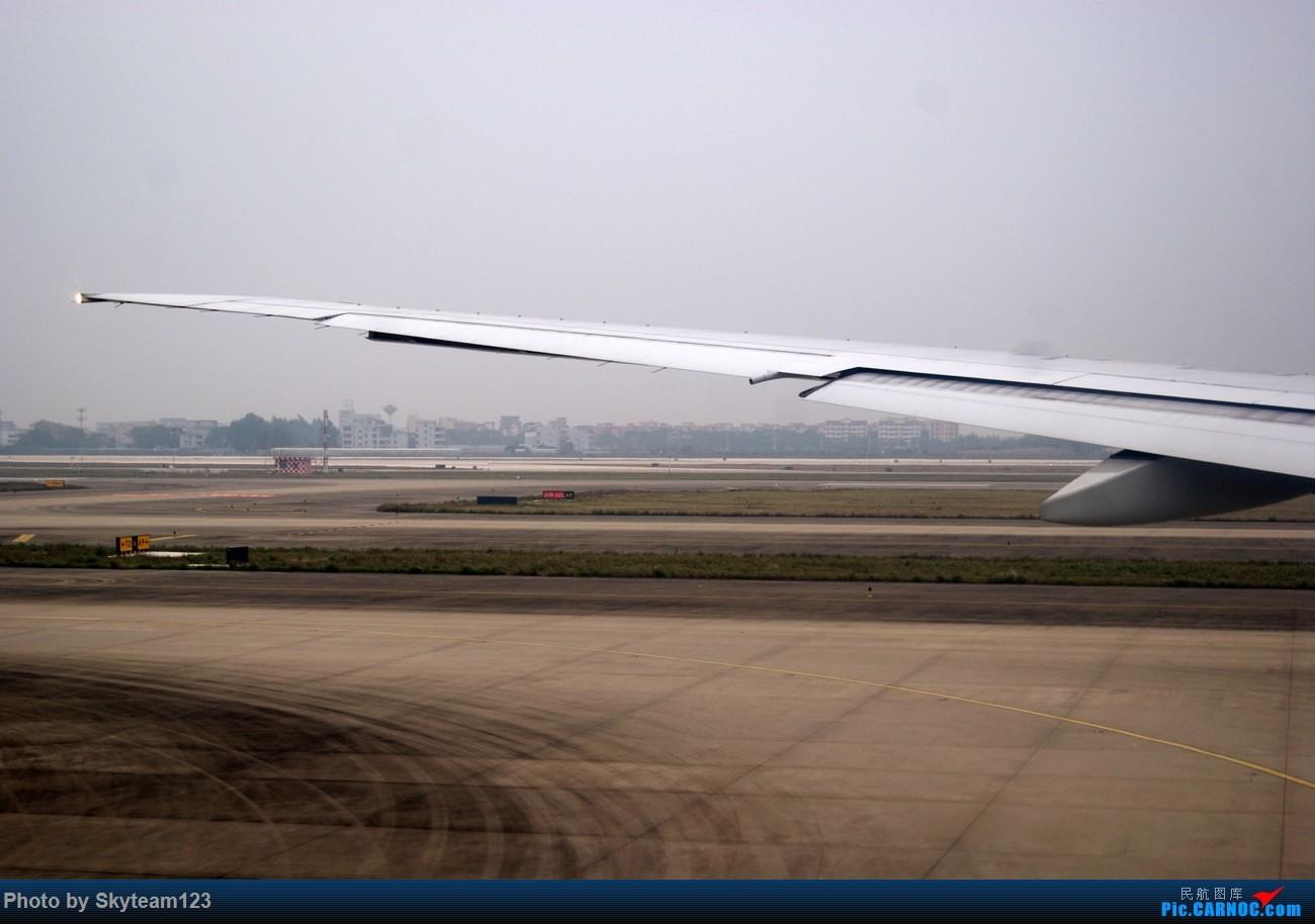 Re:[原创]《Simon游记》第三季第一集 黄昏航班CZ3113 CAN-PEK B777-300ER 第二次搭乘B-2099 原本以为完美的旅程画的却是不圆满的句号