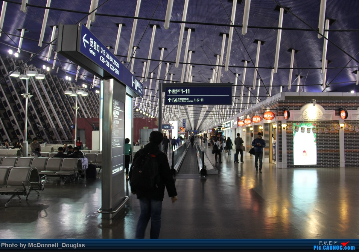 Re:[原创]【上海飞友会】迟来的游记,这么短的夜航纯是为了刷航段的呀 ZSPD-ZSNJ viaCES2882 小飞机有奖必回    中国上海浦东国际机场