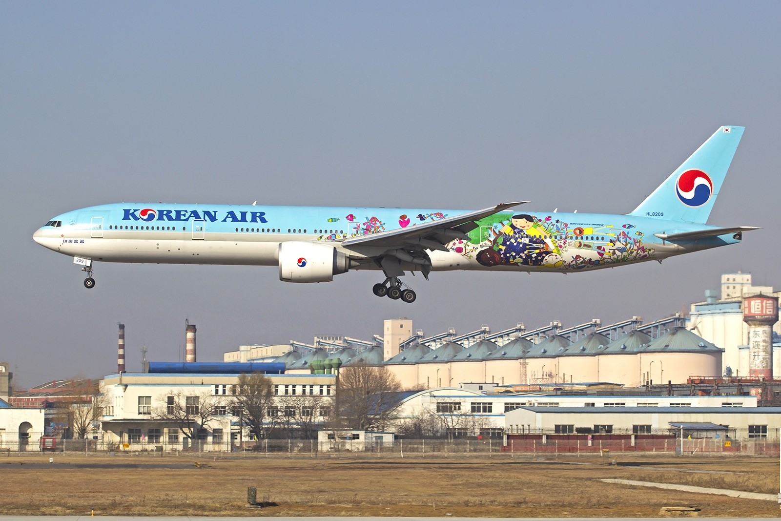 Re:[原创]大连站小年爆棚…..宽体特惠 BOEING 777-300ER  中国大连周水子国际机场