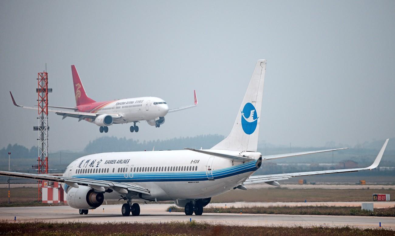 Re:[原创]2.17WUXU北部湾航空起飞 BOEING 737-700  南宁吴圩机场