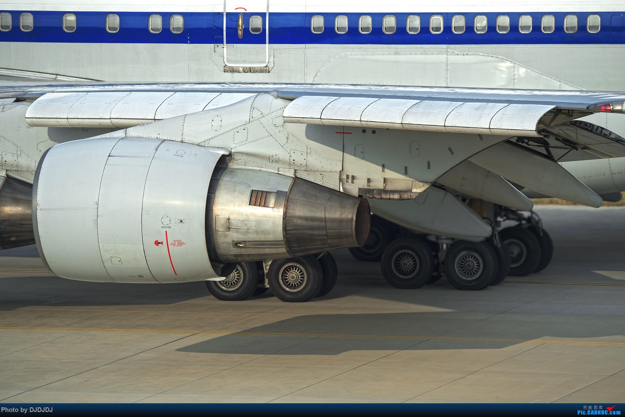 Re:[原创]【BLDDQ--深圳打机队】新春第一帖试下新机器--大额头 BOEING 747-400 B-2445 中国深圳宝安国际机场