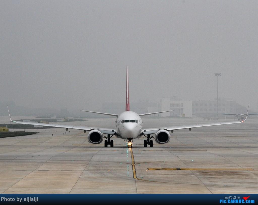 Re:[原创]【NNG飞友】年初四NNG新炮口拍机,祝各位飞友羊年大吉! BOEING 737-800 B-1972 中国南宁吴圩国际机场