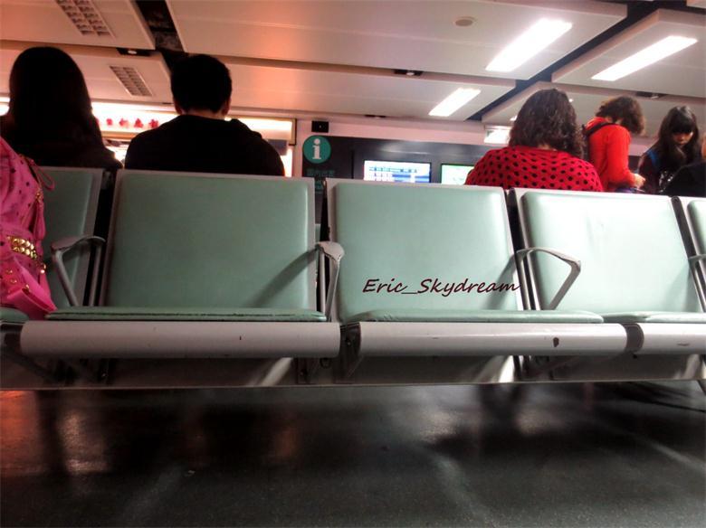 Re:[原创]<Eric's Journal> 01 飞雪 伙伴 御风长安之旅    中国广州白云国际机场