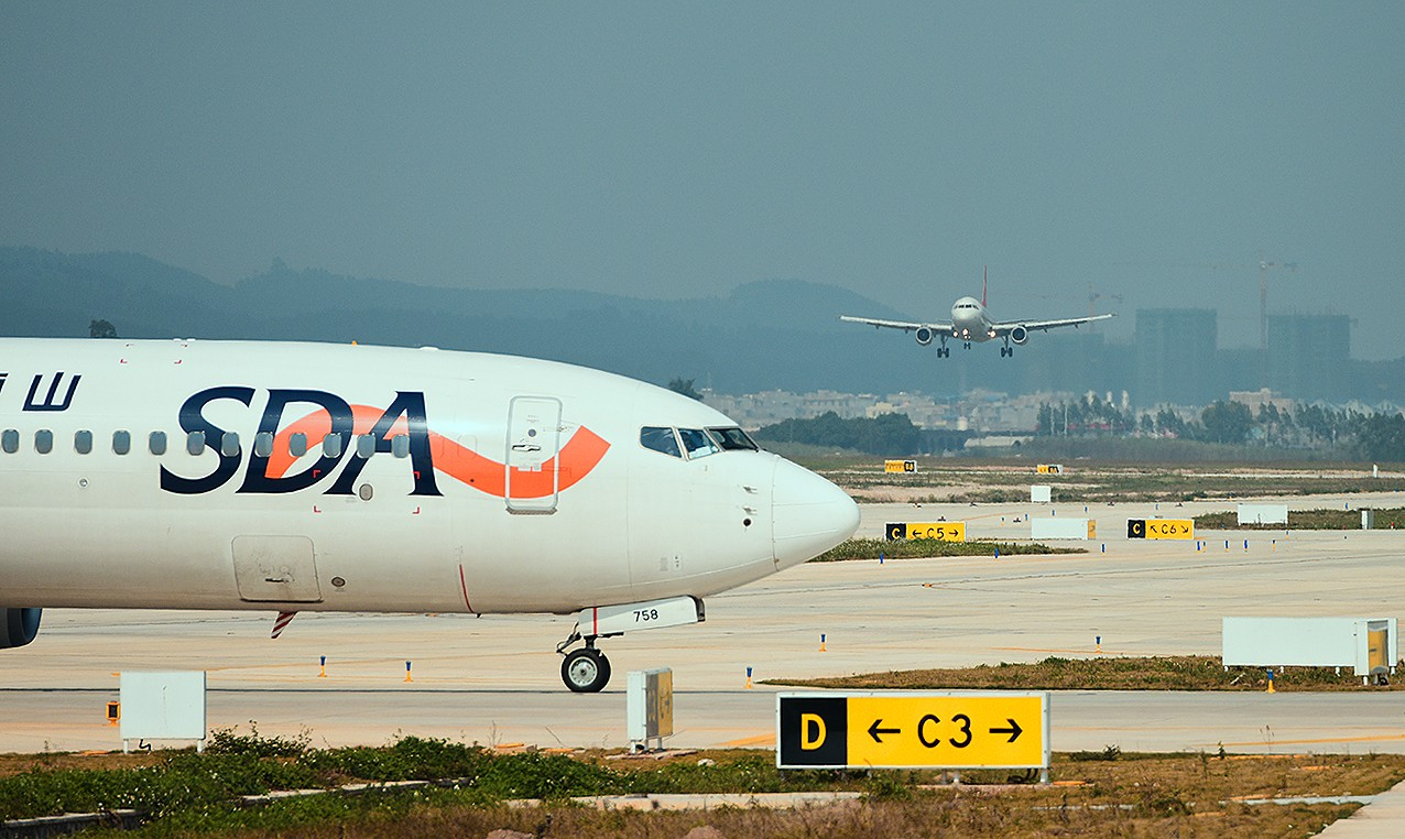 Re:[原创]【南宁飞友会】年初五的拍机活动 BOEING 737-800 B-5758 中国南宁吴圩国际机场