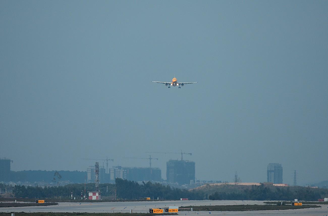 Re:[原创]【南宁飞友会】年初五的拍机活动 AIRBUS A320-200 9M-AFG 中国南宁吴圩国际机场
