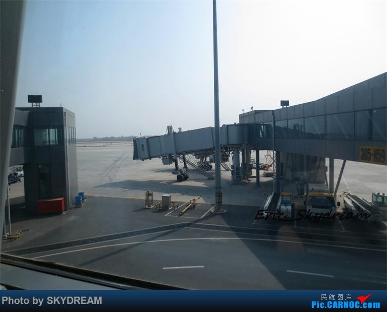 Re:[原创]<Eric's Journal> 01 飞雪 伙伴 御风长安之旅(新人首篇游记,请多指点)    中国西安咸阳国际机场