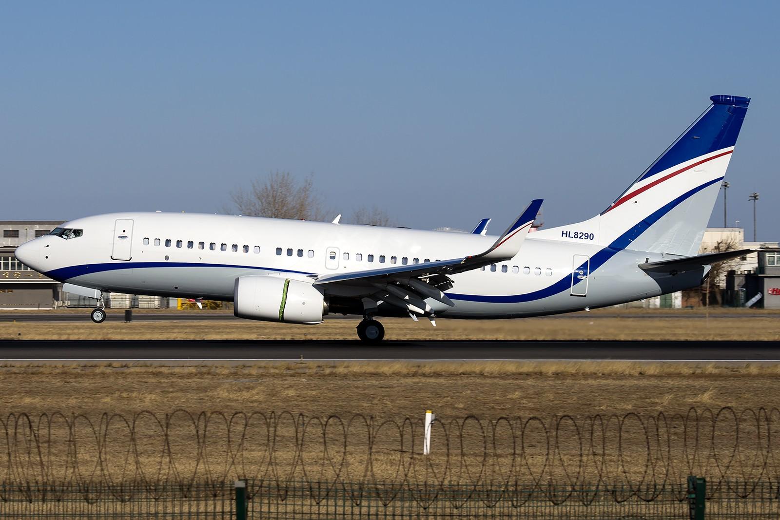 [原创][一图党] 别人P3拉起,棒子P3接地,也是醉了... BOEING 737-7GE(BBJ) HL8290 中国北京首都国际机场