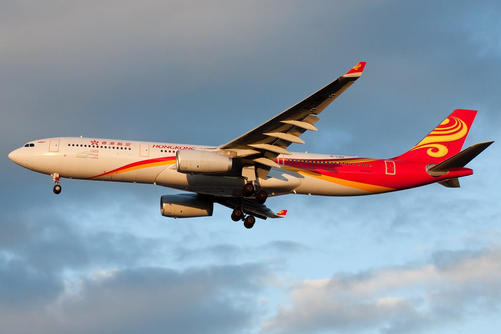[原创]求好天儿... [10pics] AIRBUS A330-300 B-LNO 中国北京首都国际机场