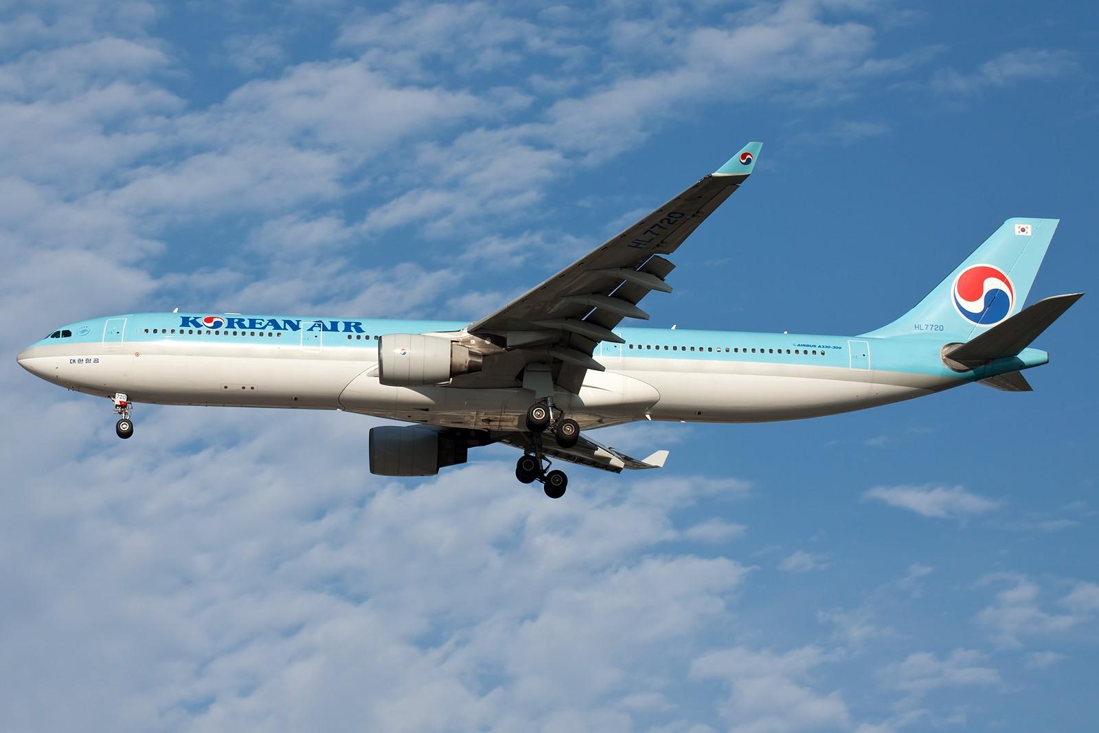 Re:[原创]再来10张 AIRBUS A330-300 HL7720 中国北京首都国际机场