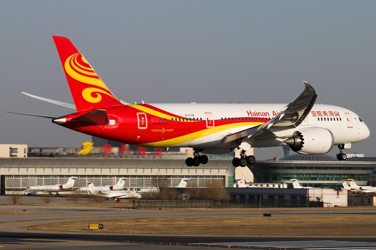 Re:[原创]土堆越来越低了,树却越来越高了,擦烟位没了,就剩下两个树间的空隙可以拍了... BOEING 787-8 B-2728 中国北京首都国际机场