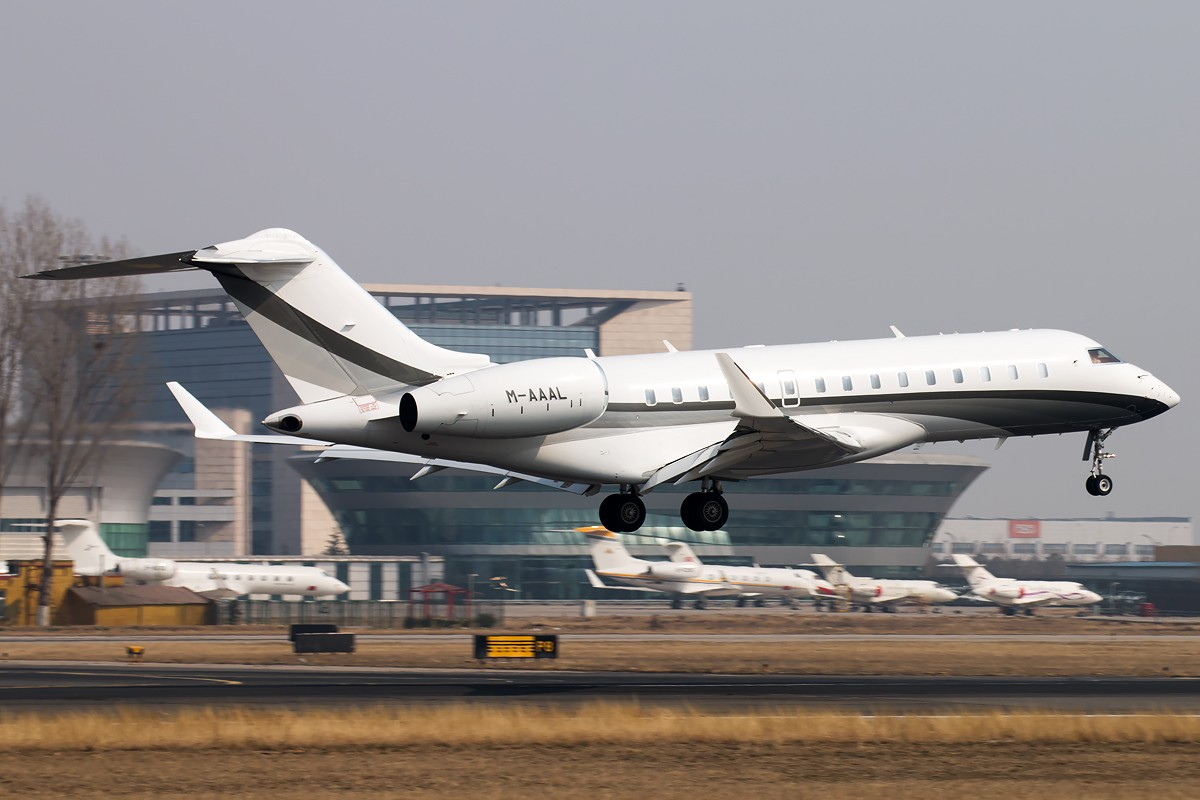 Re:[原创]9+1 BOMBARDIER BD-700-1A10 GLOBAL 6000 M-AAAL 中国北京首都国际机场