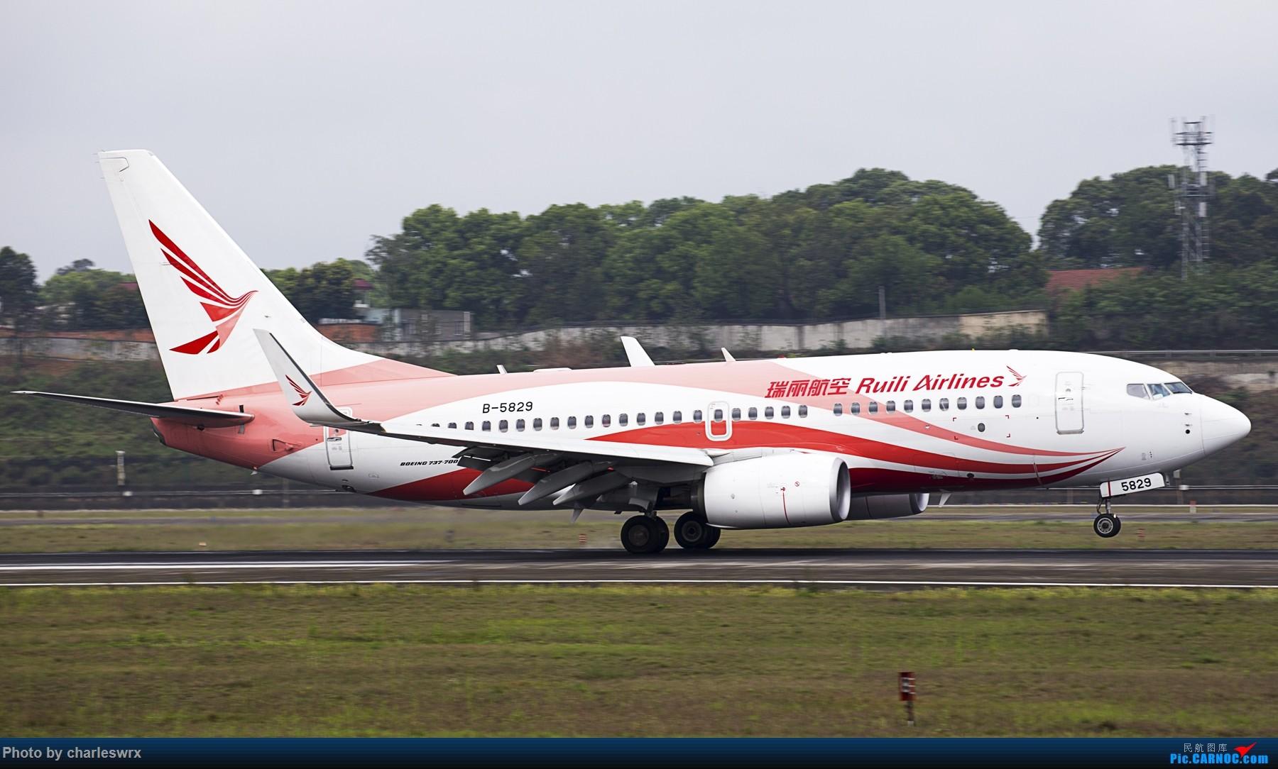 Re:[原创]4.5清明小假的CTU BOEING 737-700 B-5829 中国成都双流国际机场