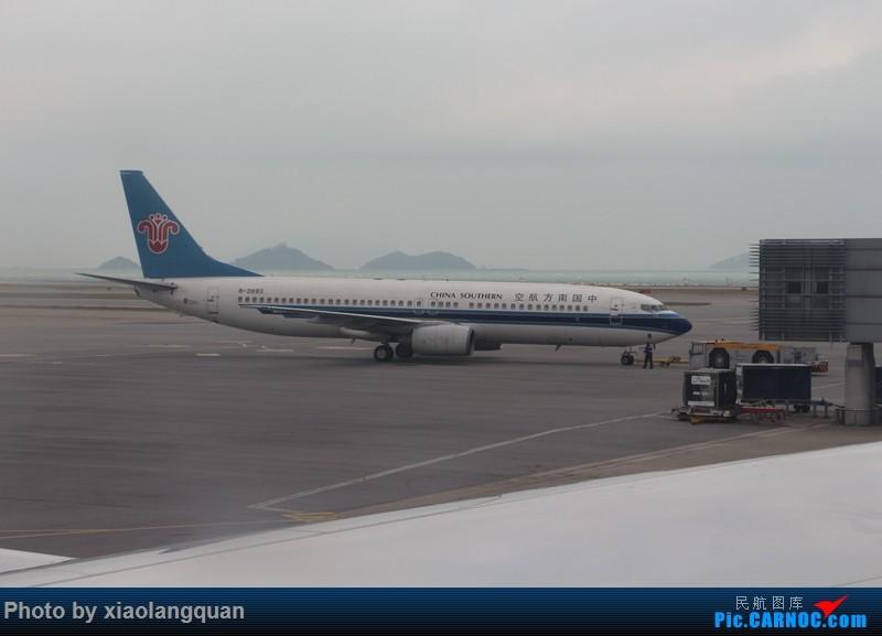 Re:[原创]19日从南往北走的欧洲蜜月游(上集)HKG-SVO by俄航777w,SVO-FCOby俄航320(更新中,图多请小心)小飞机送一返一 BOEING 737-800 B-2693 中国香港赤鱲角国际机场