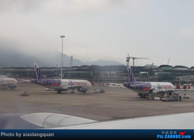 Re:[原创]19日从南往北走的欧洲蜜月游(上集)HKG-SVO by俄航777w,SVO-FCOby俄航320(更新中,图多请小心)小飞机送一返一 AIRBUS A320-200  中国香港赤鱲角国际机场