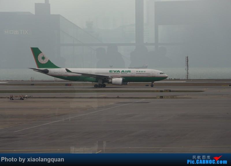 Re:[原创]19日从南往北走的欧洲蜜月游(上集)HKG-SVO by俄航777w,SVO-FCOby俄航320(更新中,图多请小心)小飞机送一返一 AIRBUS A330-200 B-16305 中国香港赤鱲角国际机场
