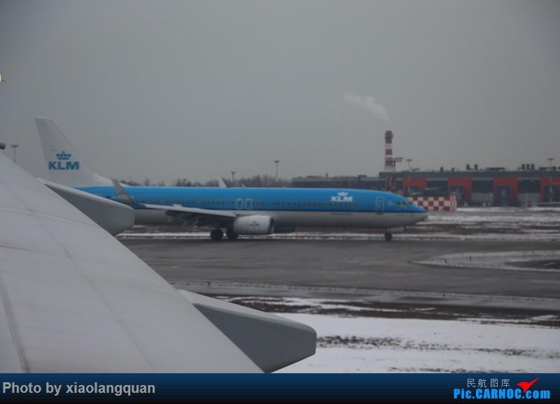 Re:[原创]19日从南往北走的欧洲蜜月游(上集)HKG-SVO by俄航777w,SVO-FCOby俄航320(更新中,图多请小心)小飞机送一返一 BOEING 737-800  俄罗斯谢诺梅杰沃机场