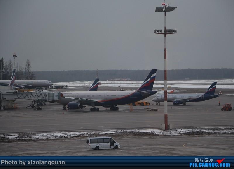 Re:[原创]19日从南往北走的欧洲蜜月游(上集)HKG-SVO by俄航777w,SVO-FCOby俄航320(更新中,图多请小心)小飞机送一返一 AIRBUS A330-300  俄罗斯谢诺梅杰沃机场