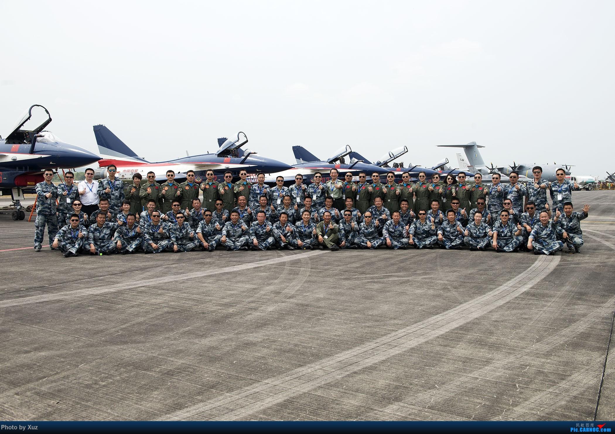 Re:[原创]LIMA'15 --民航资源网飞友在LIMA     八一飞行表演队全家福