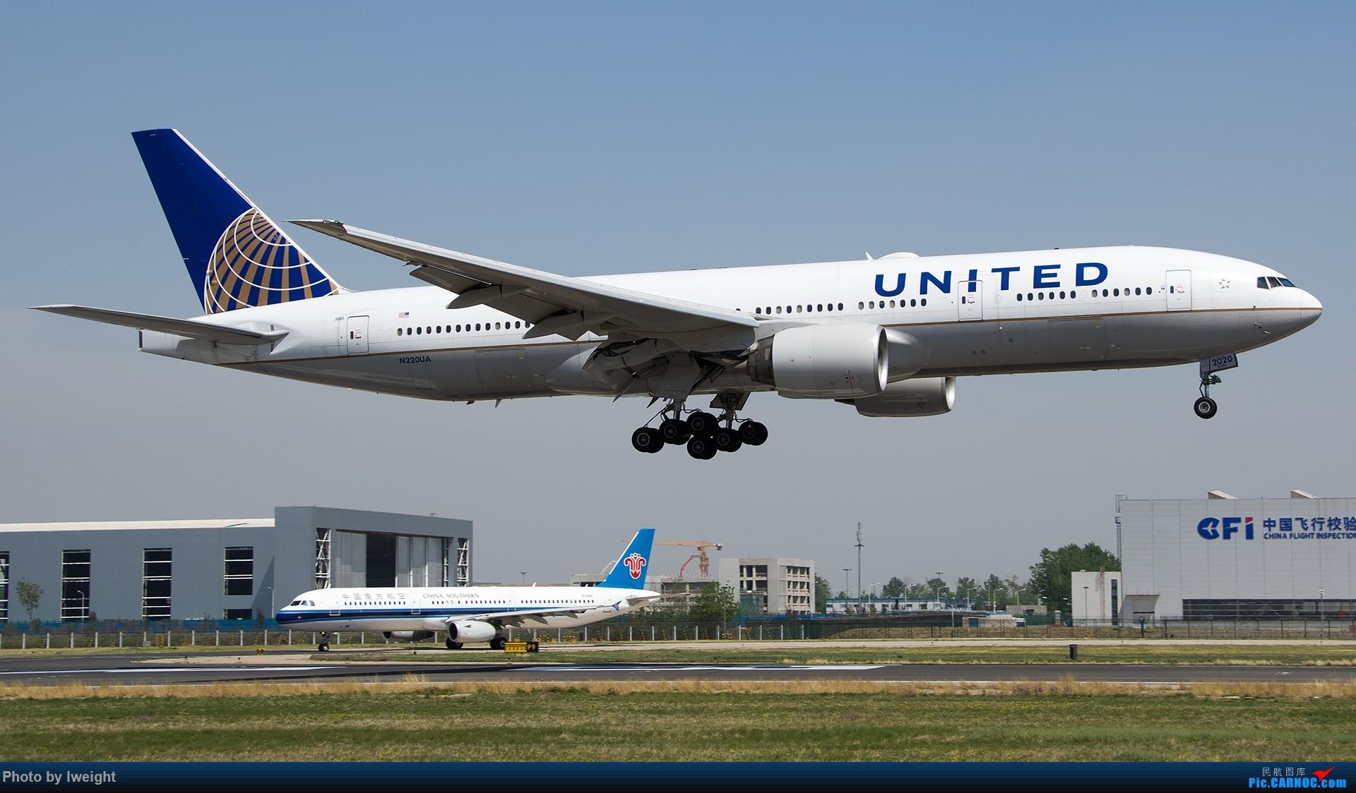 Re:[原创]2015年第一次在PEK拍北向南,其实是为Jimmy去的【2015-4-24】 BOEING 777-200 N220UA 中国北京首都国际机场