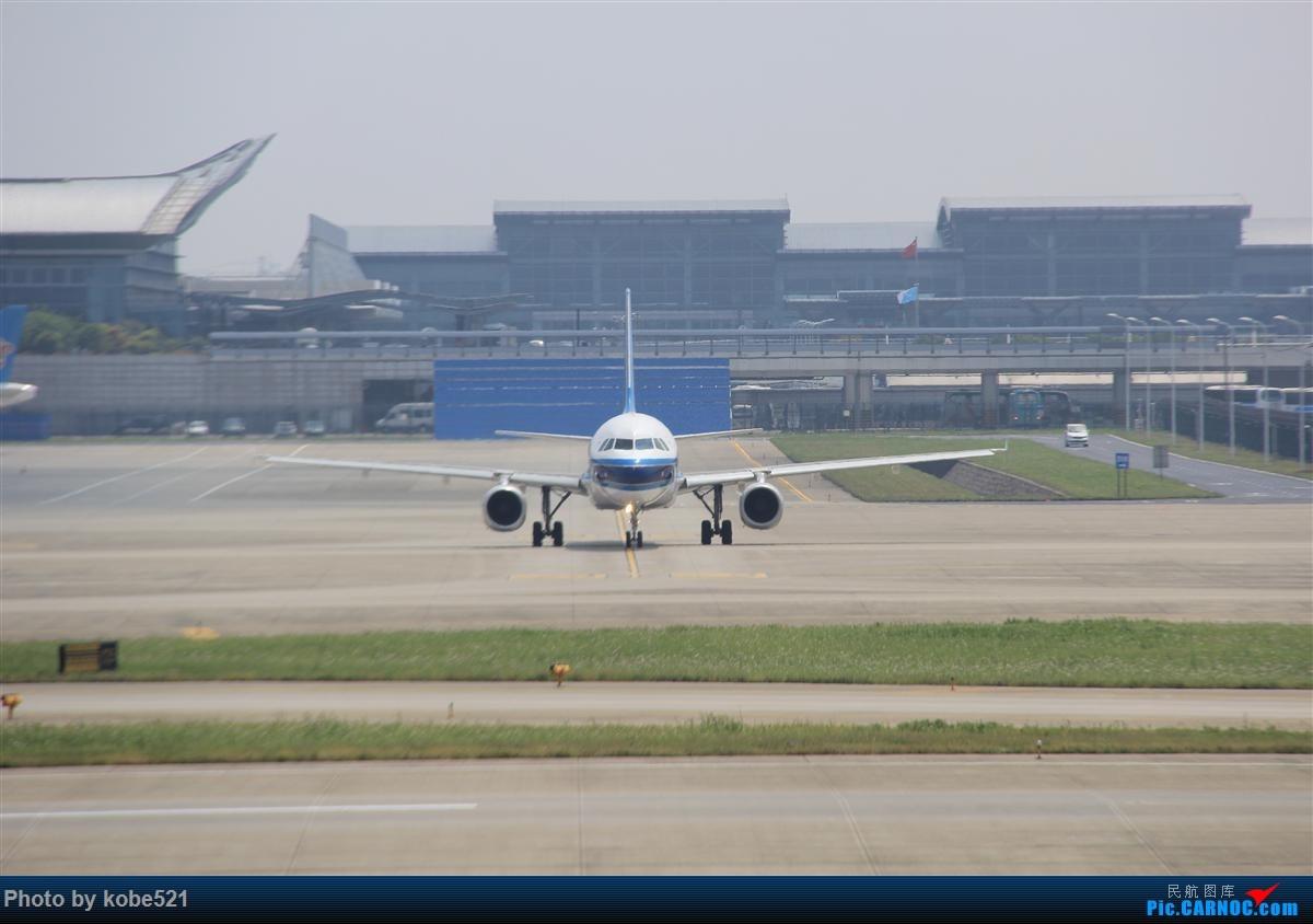 Re:[原创]冒个泡~~ BOEING 737-700 B-5093 中国杭州萧山国际机场