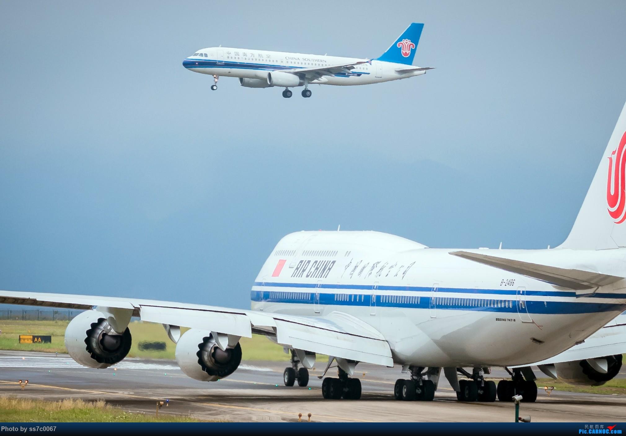 Re:[原创]CKG拍机(五一劳做在机场迎接国航747-8首航重庆,中货东航747也来助阵) BOEING 747-8I B-2486