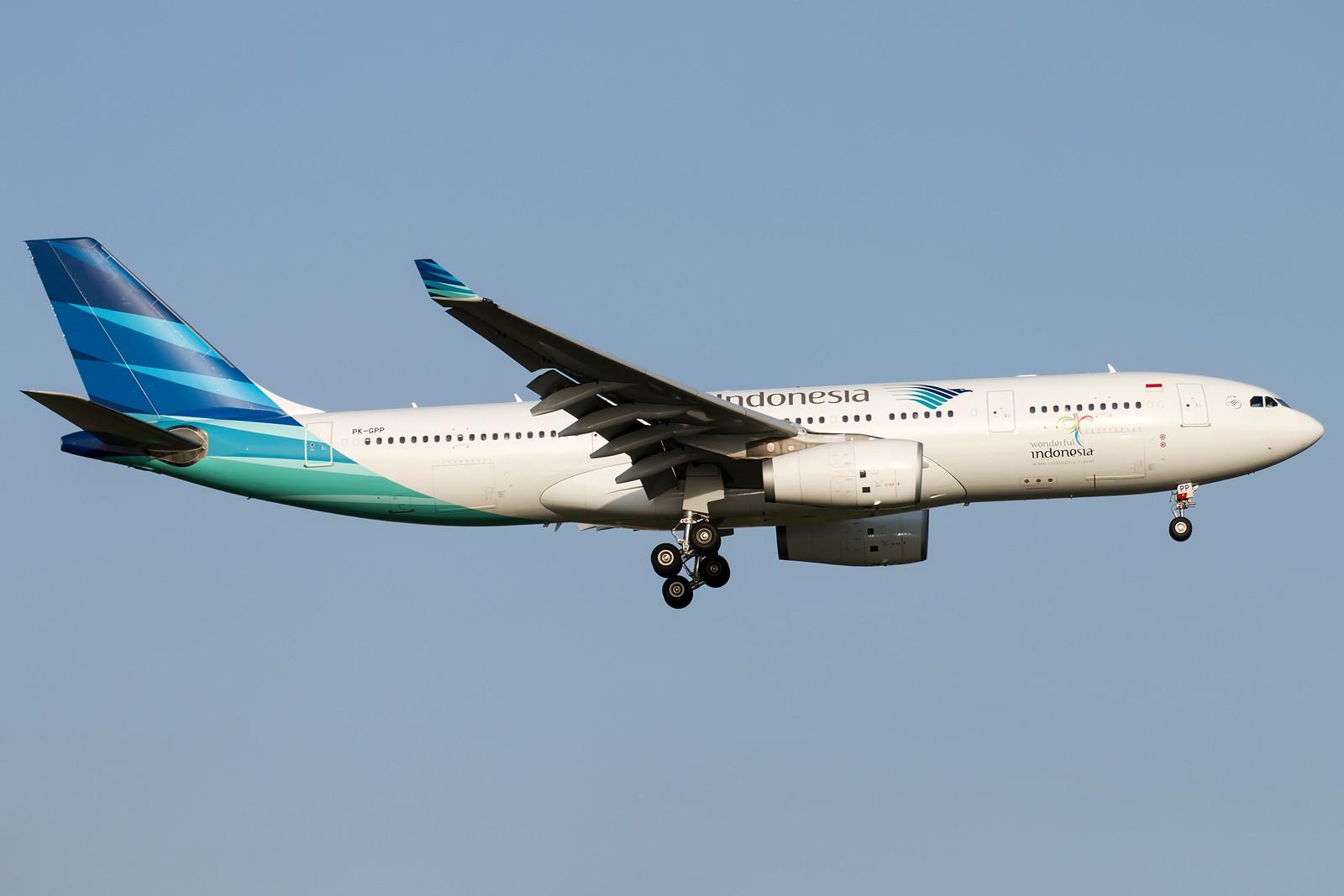Re:[原创]晨练的季节到了 1600*1067 [8pics] AIRBUS A330-243 PK-GPP 中国北京首都国际机场