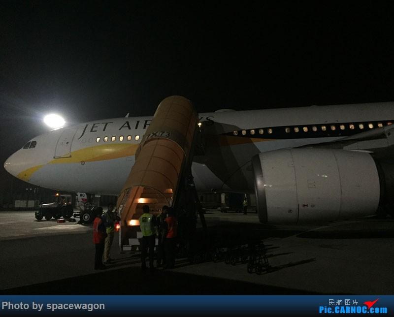 Re:[原创]十天南印度果阿孟买婚礼之旅九种交通工具全纪录 AIRBUS A330-200   印度孟买机场