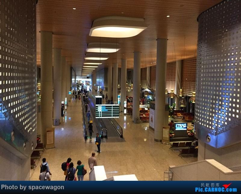 Re:[原创]{瓦罐出品}十天南印度果阿孟买婚礼之旅九种交通工具全纪录    印度孟买机场
