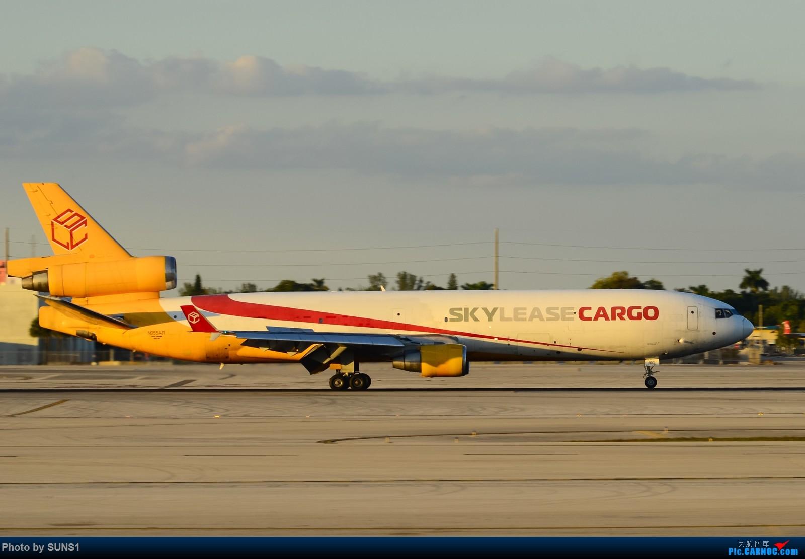 Re:MIA的日常,在夕阳西下前抓住最后的一抹光线—久违了的AA钢管757,起飞中的卢森堡748和瑞航330以及更少见的skylease MD11 Cargo