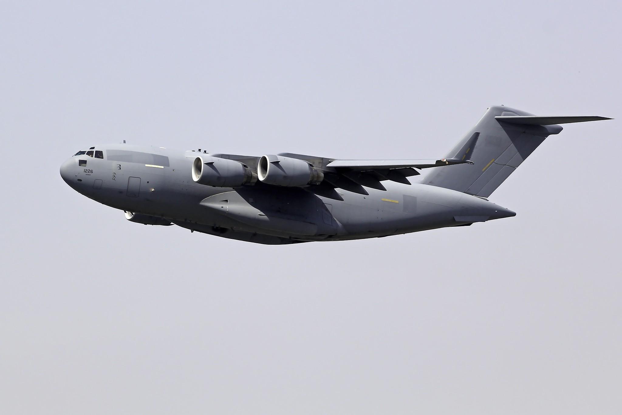 Re:[原创][DLC]全球霸王III-C17….连载……. BOEING C-17A GLOBEMASTER III 1226 中国大连周水子国际机场